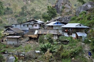 Photo: Le long de la Tamur khola au départ de Chirwa