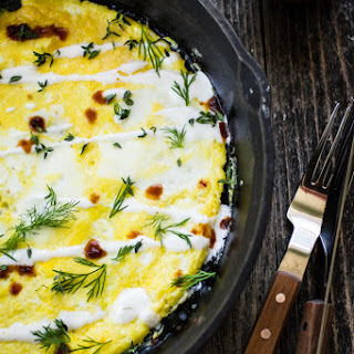 Flat Omelet with Yogurt, Hot Sauce, and Herbs