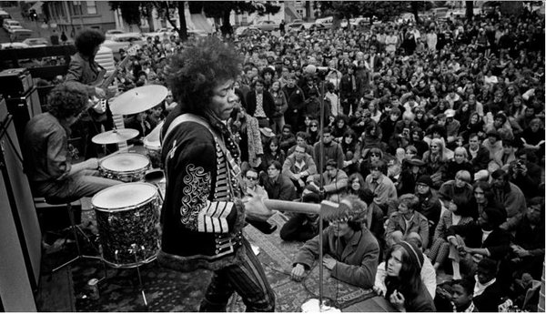 Jimi performs a free concert in Golden Gate Park on June 25, 1967.