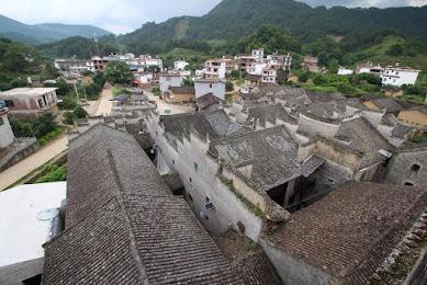中国の格差地帯を歩く…広西チワン族自治区の寒村、観光地化されていない「雑な風景」