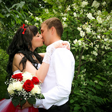 Wedding photographer Oksana Velisevich (Velisevich). Photo of 10.07.2015