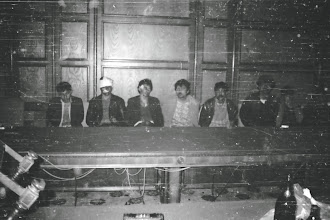 Photo: Revolutia romana decembrie 1989 Film 3; FOTO: Ion Laurentiu; Comitetul Central PCR; Romulus Cristea; In sala, persoane arestate invocandu-se ca sunt teroristi
