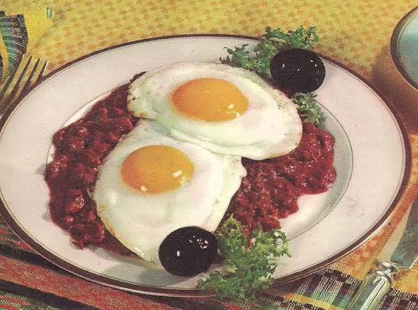 Chili Con Carne Y Huevos (chili With Eggs) Recipe