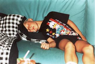 Photo: 1993 - Jussi väsyi kesken juhlien