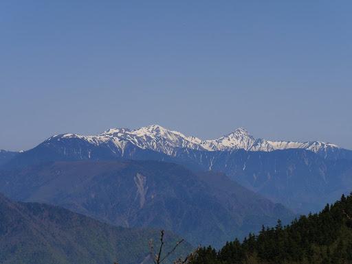 右から北岳・間ノ岳・農鳥岳・白河内岳など