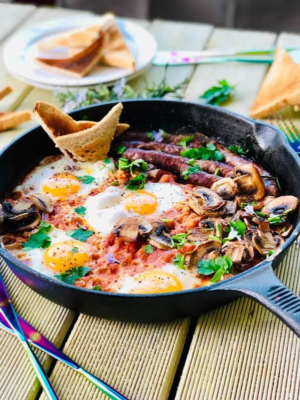 One Pot English Breakfast You Said? Oohh Yeass! All Your Favourite Breakfast Ingredients (eggs, Sausages, Baked Beans And Mushrooms Or Bacon- All In One Place, No Mess No Fuss. Just  Delicious!