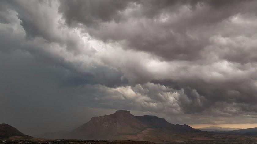 Las tormentas descargan agua y granizo sobre la provincia