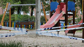 Parque infantil clausurado.