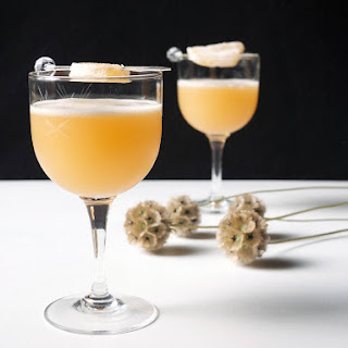 Fresh Ginger Amaretto Sour