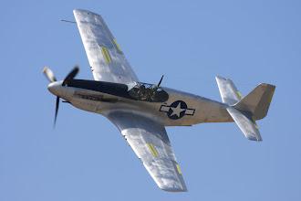 Photo: North American A-36A Apache (brzdící štíty na křídlech)