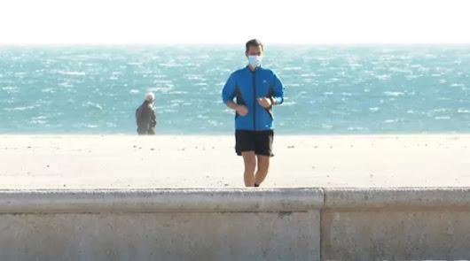 ¿Es perjudicial para la salud correr con mascarilla?
