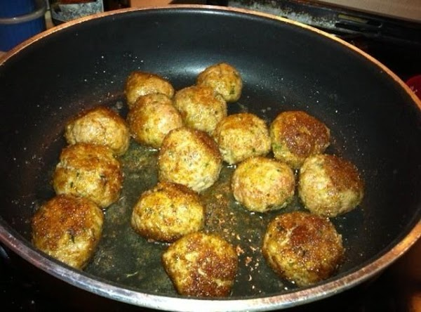 Heat remaining 1 tablespoon oil in skillet over medium heat until shimmering. Add onions...