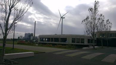 Photo: Covra, kraftværk og en dansk mølle