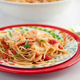 Shrimp and Scallop Linguine in Tomato Sauce