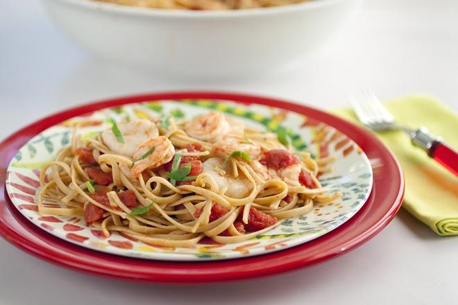 Shrimp and Scallop Linguine in Tomato Sauce Recipe