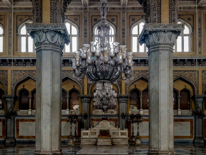 chandelier-chowmallah-palace-hyderabad-city