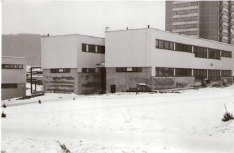 Photo: Dom služieb na Medvedzí pred dokončením.