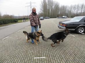 Photo: Fanuël-Fee samen met Dokiël-Davey (Ad houdt Fee even vast)