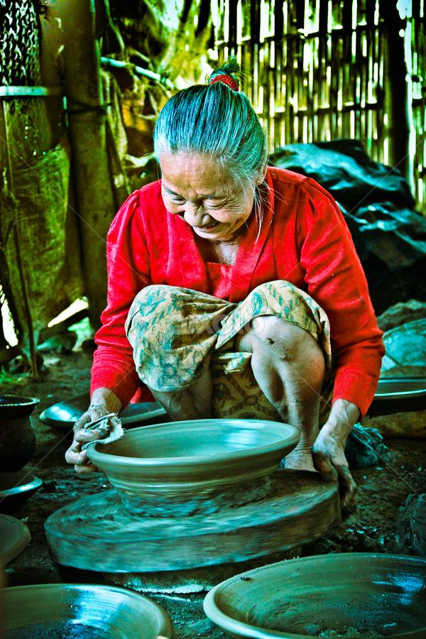Membuat Tembikar : membuat, tembikar, Nenek, Tembikar, Portraits, Women, People, Pixoto
