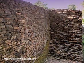 Photo: Benteng Sombaopu, dibangun pada tahun 1525. Lokasi : Desa Sombaopu, Kecamatan Barombong, Kab.Gowa, Indonesia.