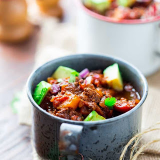Easy Slow Cooker Paleo Beef Chili {Whole 30 Friendly}.