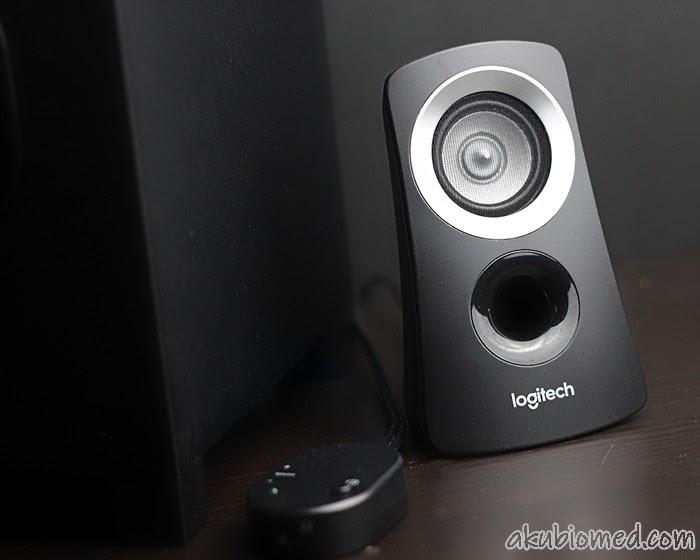 Sepasang satelit speaker stereo Logitech Z313