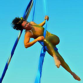 FRANCESCA by Kendall Eutemey - People Musicians & Entertainers ( kendall eutemey, aerial entertainer, stunt walker, tightrope walker,  )