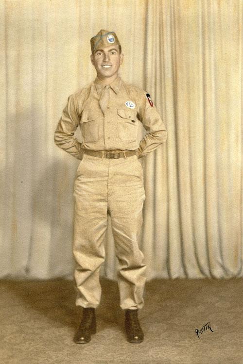 Joe-at-graduation-from-Parachute-School,-August-24,-1945-fix