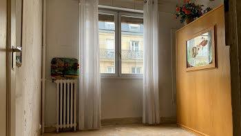 studio à Paris 15ème (75)