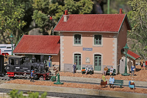GARE MINIATURE A CARPENTRAS