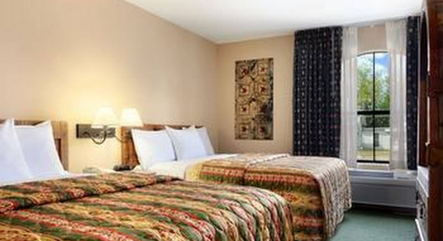 Days Inn and Suites Llano