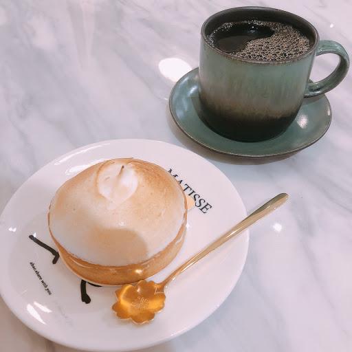 雲朵檸檬塔 酸酸甜甜的很好吃😋 中培咖啡 不苦澀 好喝~~