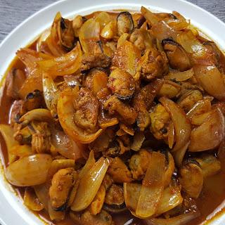 Stir Fried Mussels (炒青口贝)
