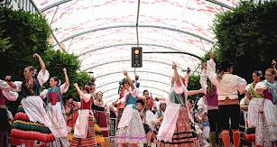 Música y baile se mezclaron junto a las indumentarias típicas de la provincia para mostrar a la ciudad.