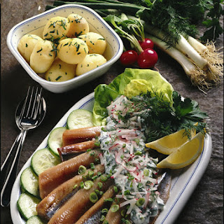 Herring with Radishes and Yogurt Sauce