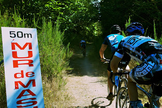 Photo: Ronde Ohop is a kermesse style race in the shadow of Mt. Rainer.