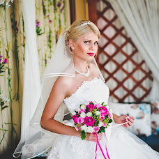 Wedding photographer Anna Buyakova (Annluminous). Photo of 15.04.2015
