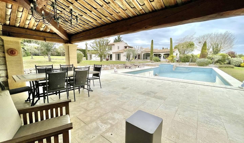 Propriété avec piscine et jardin Luynes