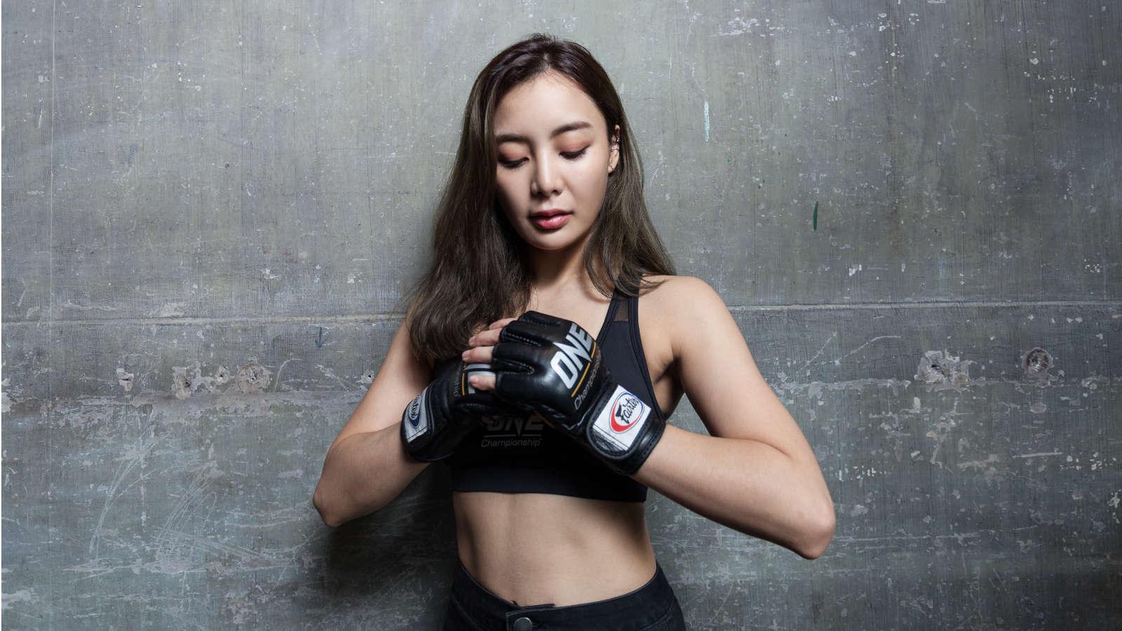 Rika Ishige hy vọng sẽ sử dụng kinh nghiệm của mình để khuyến khích tất cả các cô gái trở nên mạnh mẽ hơn