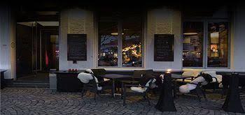 Anna's Restaurant & Hotel