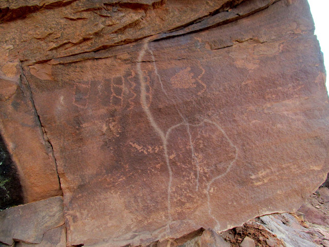 Petroglyphs and lightning marks