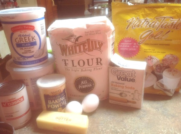 PLEASE NOTE--White Lily flour is a soft winter wheat flour, and lighter in texture...