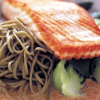 Green Tea Noodles With Salmon And Red Curry Sauce.