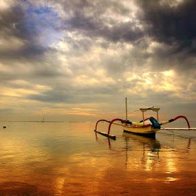 Silent Day by Alit  Apriyana - Transportation Boats