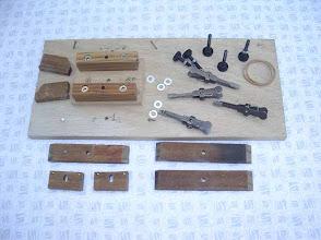 Photo: J'ai trouvé utile de fabriquer un gabarit de montage pour le chassis.