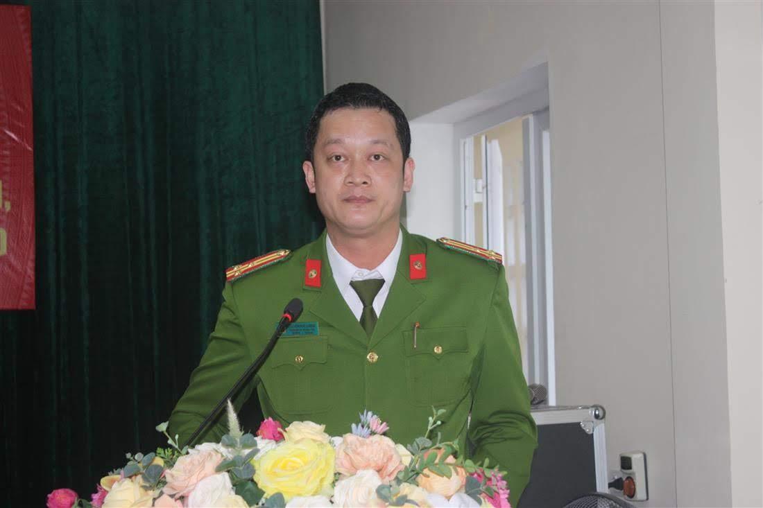 Thượng tá Nguyễn Đức Cường, Trưởng Công an Tp Vinh báo cáo kết quả công tác QP -AN năm 2019