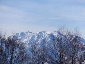 左に三方崩山、右は奥三方岳