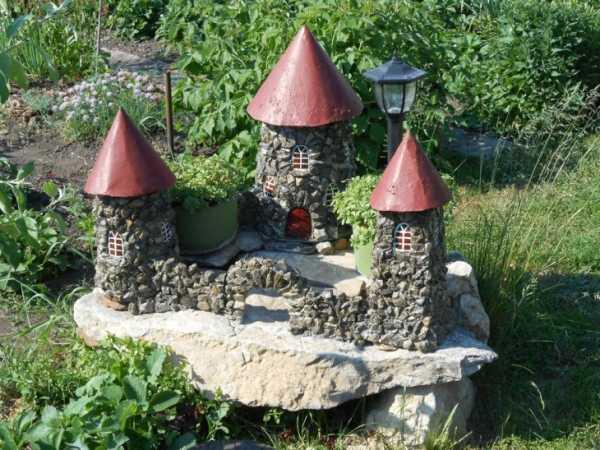 Садовая фигура из камня