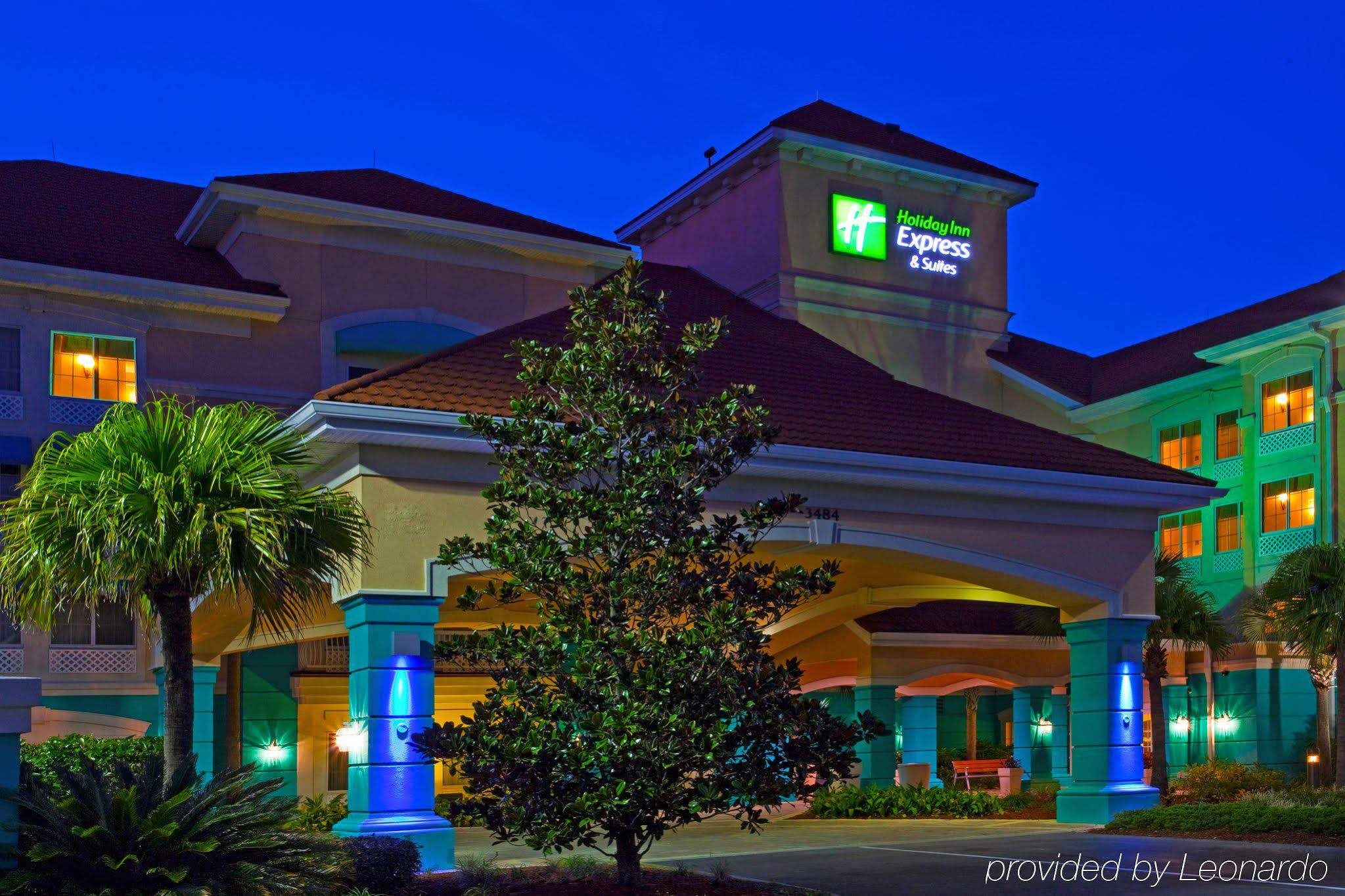 Holiday Inn Express and Suites Lake Buena Vista East