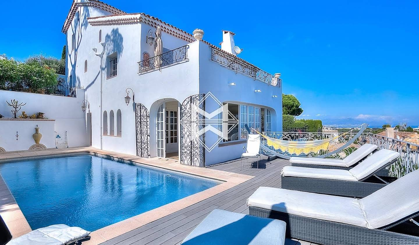 Villa with pool and terrace Le golfe juan